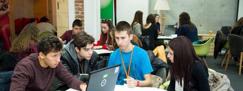 """Oтворена е регистрацията за финансов  лагер за участници от програма """"Учебна компания"""""""