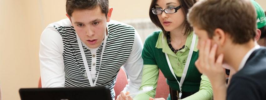 """150 млади икономисти се включиха във второто национално състезание по финансова грамотност """"Финансов иновационен лагер"""""""