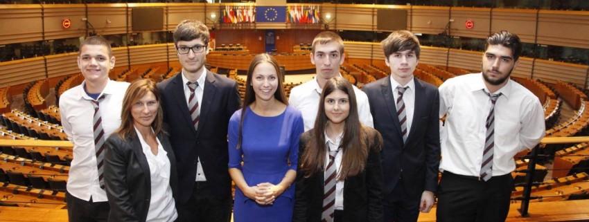 Ученици на JA бяха на посещение в Европейския парламент в Брюксел