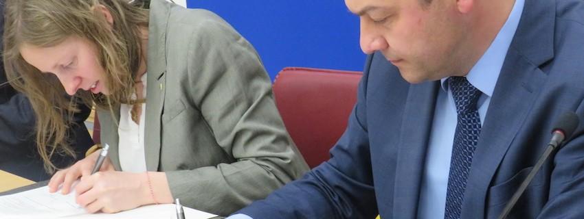 JA подписа споразумение за партньорство с Община Севлиево
