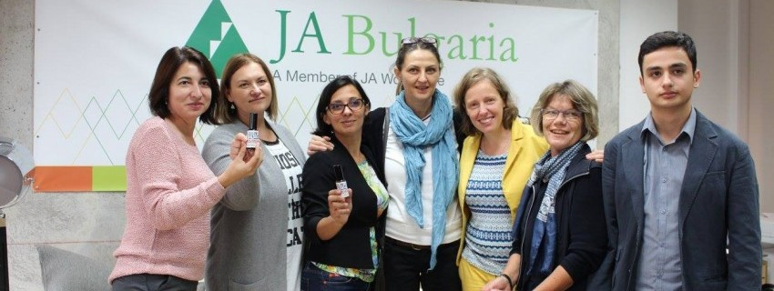 Екипи на JA в 5 държави разработиха учебен курс по зелено предприемачество